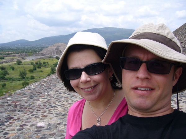 Cristy and Dagwood at Teotihuacán